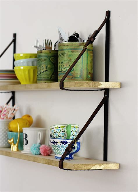 Diy-Belt-Strap-Shelves