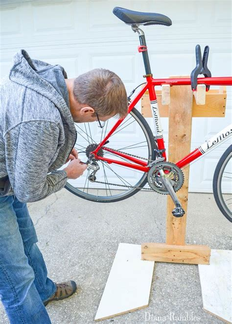 Diy-Bike-Repair-Stand-Wood