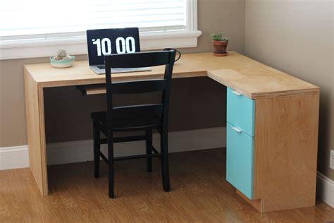 Diy-Birch-Plywood-Desk