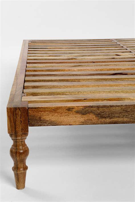 Diy-Boho-Platform-Bed