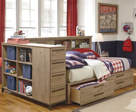 Diy-Bookshelf-Daybed
