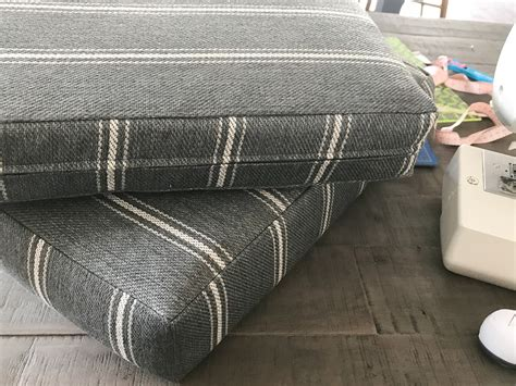 Diy-Box-Cushion-Cover-With-Zipper