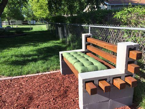 Diy-Breeze-Block-Bench