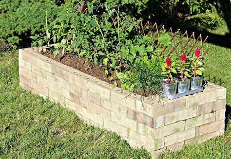 Diy-Brick-Planter-Box