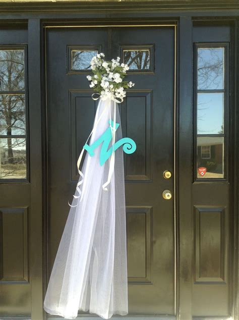 Diy-Bridal-Shower-Wreaths-For-Front-Door