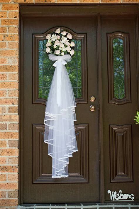 Diy-Bridal-Veil-Door-Decoration