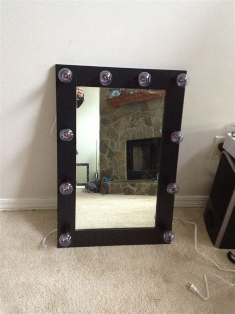 Diy-Broadway-Lighted-Vanity-Mirror