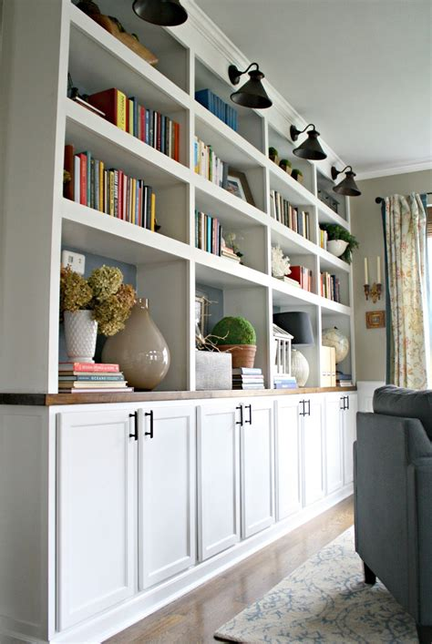 Diy-Built-In-Bookcase-With-Cabinets