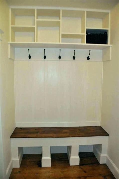 Diy-Built-In-Coat-Rack-Bench
