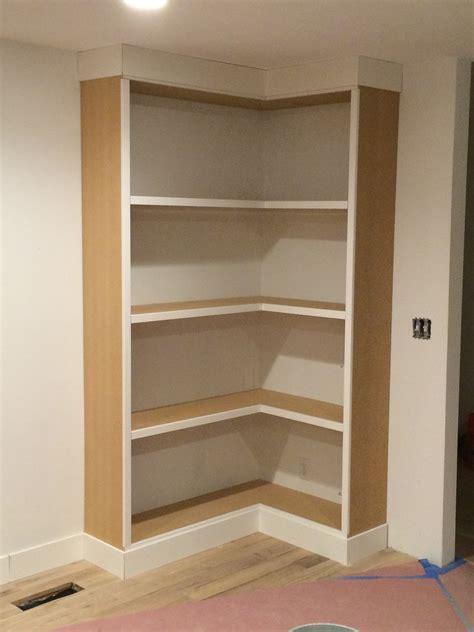 Diy-Built-In-Corner-Bookcase