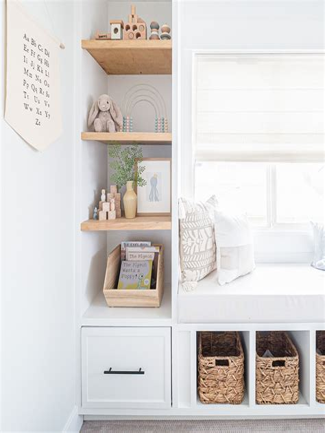 Diy-Built-In-Shelves-Nook