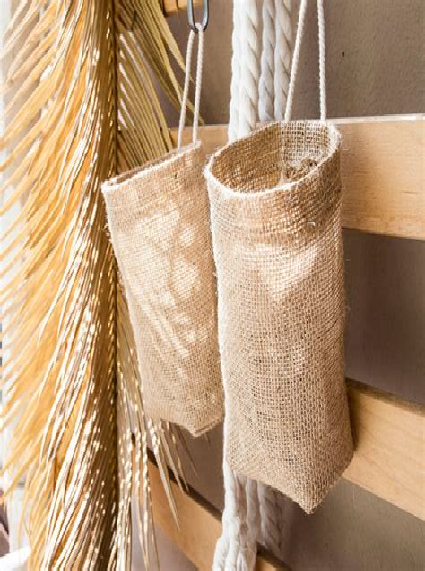 Diy-Burlap-Hanging-Shelf