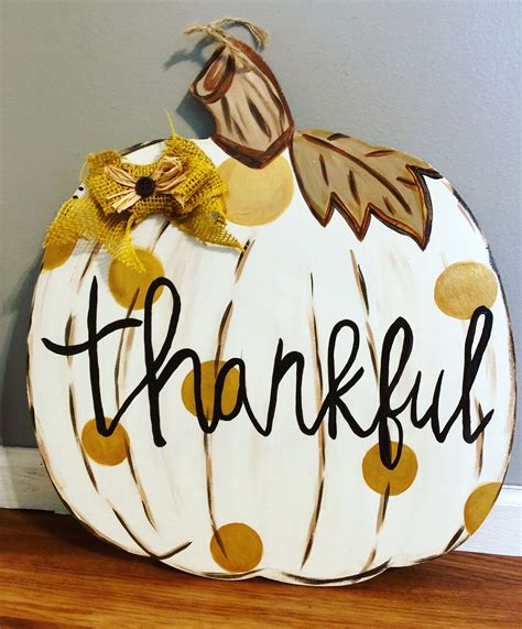 Diy-Burlap-Pumpkin-Door-Hanger
