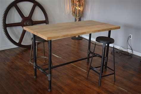Diy-Butcher-Block-Table-Pipe-Legs