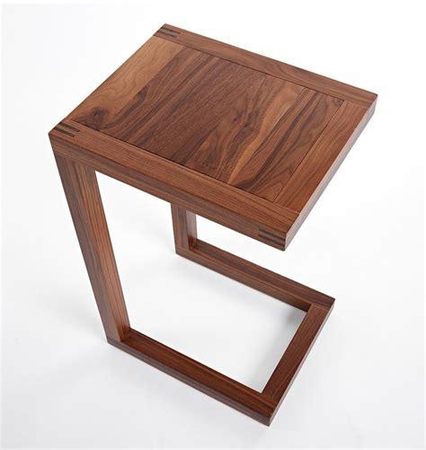 Diy-C-Shaped-Side-Table