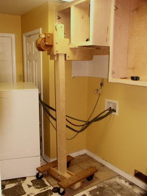 Diy-Cabinet-Lift