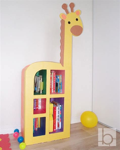 Diy-Carboard-Bookcase