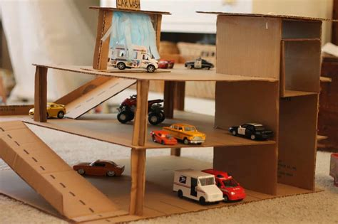 Diy-Cardboard-Box-Garage