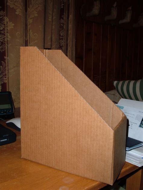 Diy-Cardboard-Magazine-Box