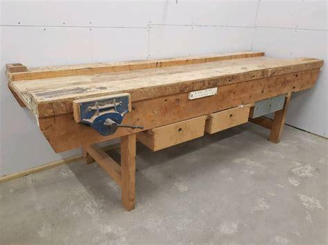 Diy-Carpenter-Bench