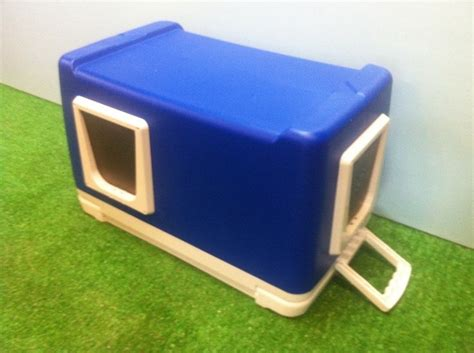 Diy-Cat-Box-Out-Of-Igloo-Cooler