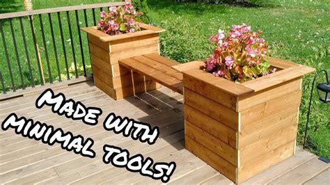 Diy-Cedar-Planter-Bench