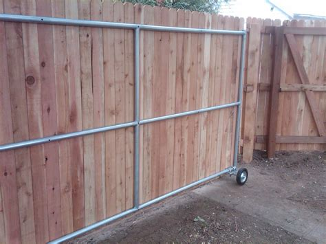 Diy-Chain-Link-Rolling-Gate-Door-With-Wood-Panels
