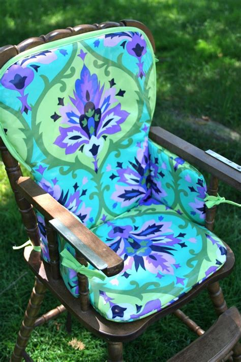 Diy-Chair-Cover-With-Laminated-Cotton