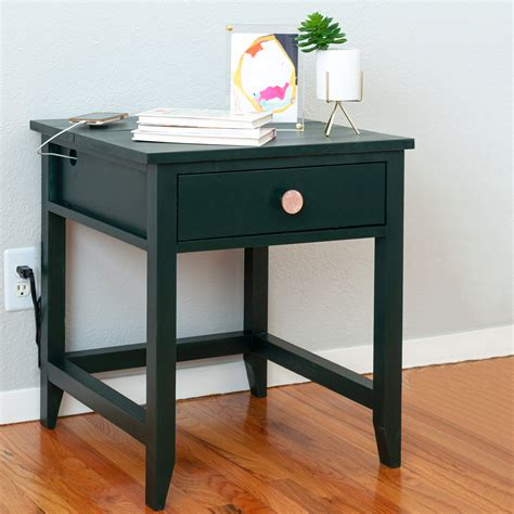 Diy-Charging-Station-End-Table