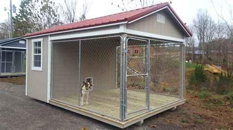 Diy-Chicken-Door-On-Dog-Kennel