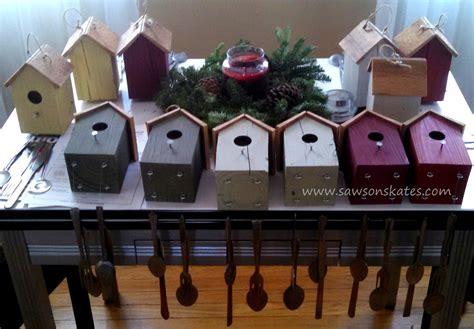 Diy-Christmas-Chimes-On-Birdhouse