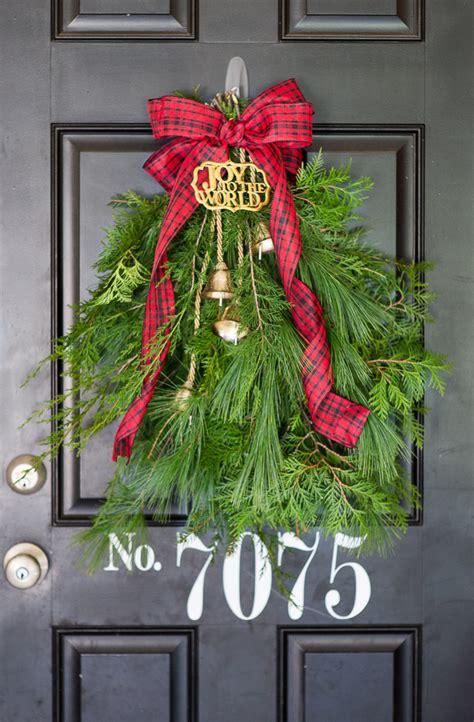 Diy-Christmas-Door-Swag