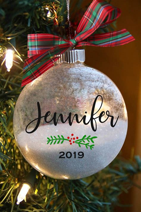 Diy-Christmas-Ornaments-With-Names