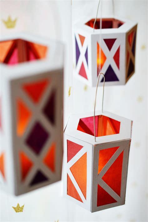 Diy-Christmas-Paper-Lanterns
