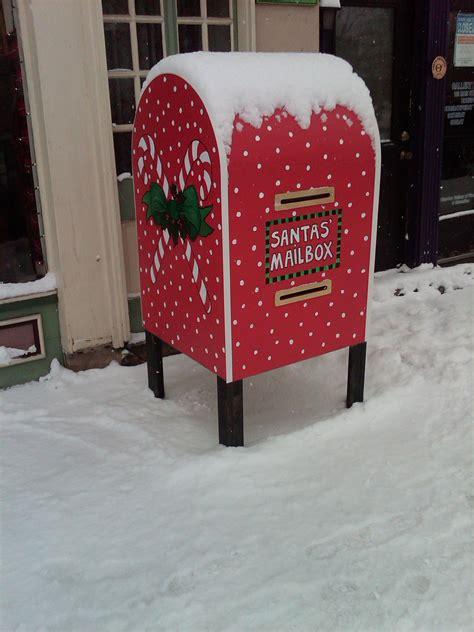 Diy-Christmas-Post-Box