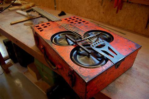 Diy-Cigar-Box-Resonator
