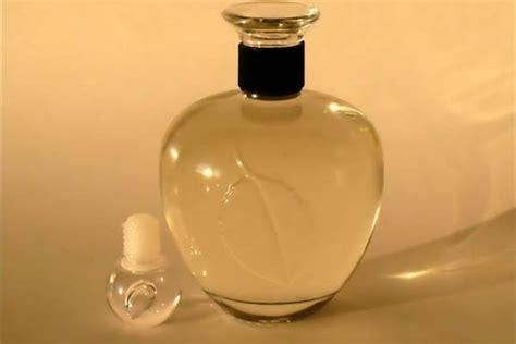 Diy-Cinnamon-Perfume