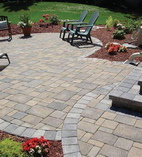 Diy-Cobblestone-Patio-Designs
