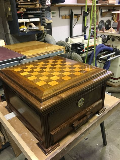 Diy-Coffee-Table-Humidor