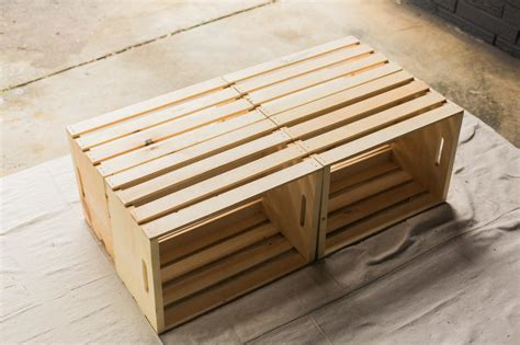Diy-Coffee-Table-Using-A-Wood-Pallet-And-Wine-Crate