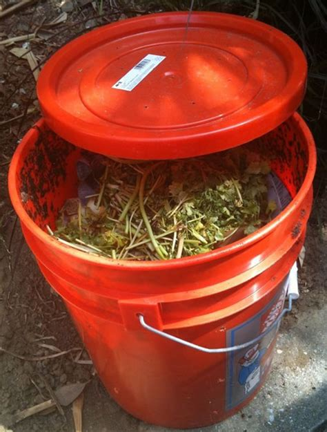 Diy-Compost-Bin-Bucket
