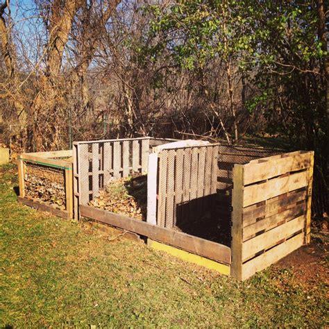 Diy-Compost-Bin-For-Leaf-Mold