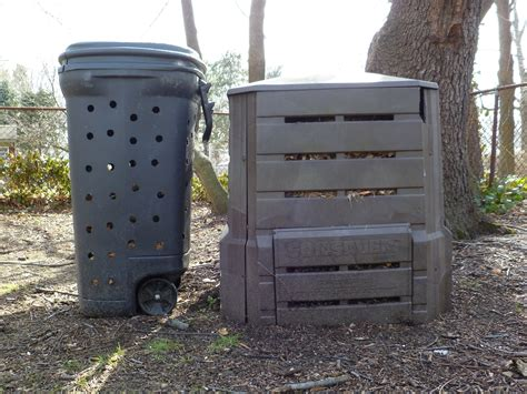 Diy-Compost-Bin-Out-Of-Garbage-Can