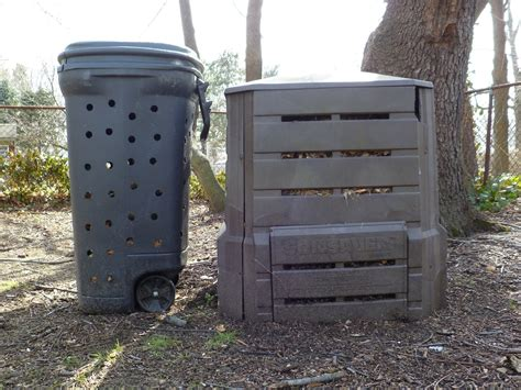 Diy-Compost-Bin-Out-Of-Trash-Can