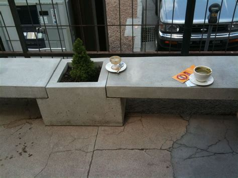 Diy-Concrete-Planter-Bench