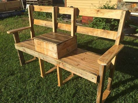 Diy-Cooler-Bench-Made-Our-Of-Palletts