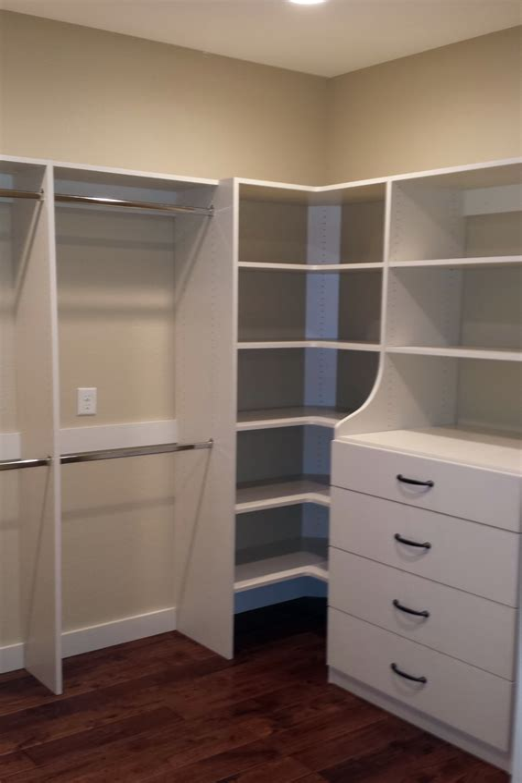 Diy-Corner-Closet-Shelves