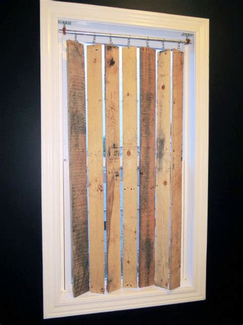 Diy-Crafts-With-Wooden-Blinds