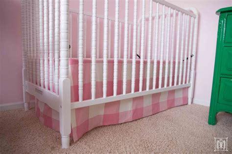 Diy-Crib-Bed-Skirt