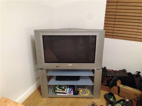 Diy-Crt-Tv-Stand